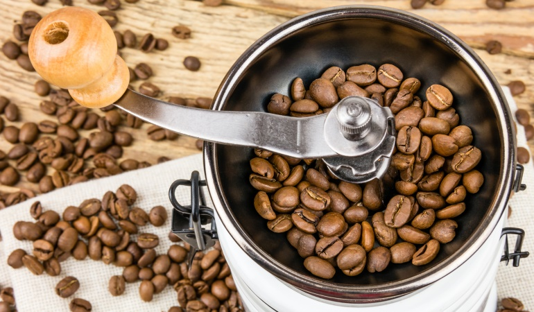 What is the Best Quiet Coffee Grinder? (For Early Risers ...